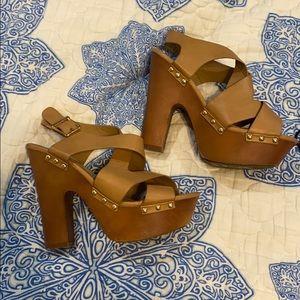 Cute brown heel